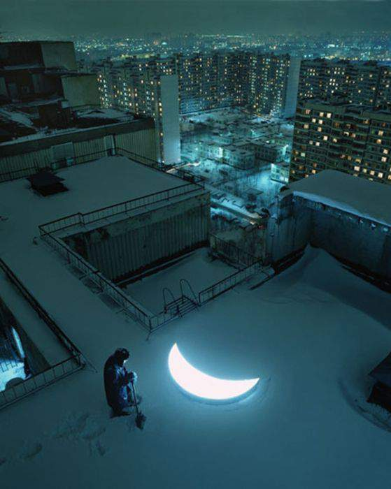 """Мне луна упала на дорожку..."""